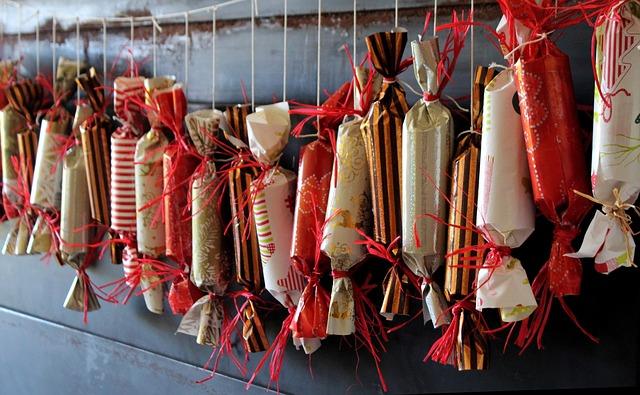 Christmas Crackers appesi alla parete