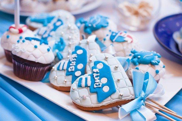 Baby Shower: lecca lecca decorati tema bambino azzurro