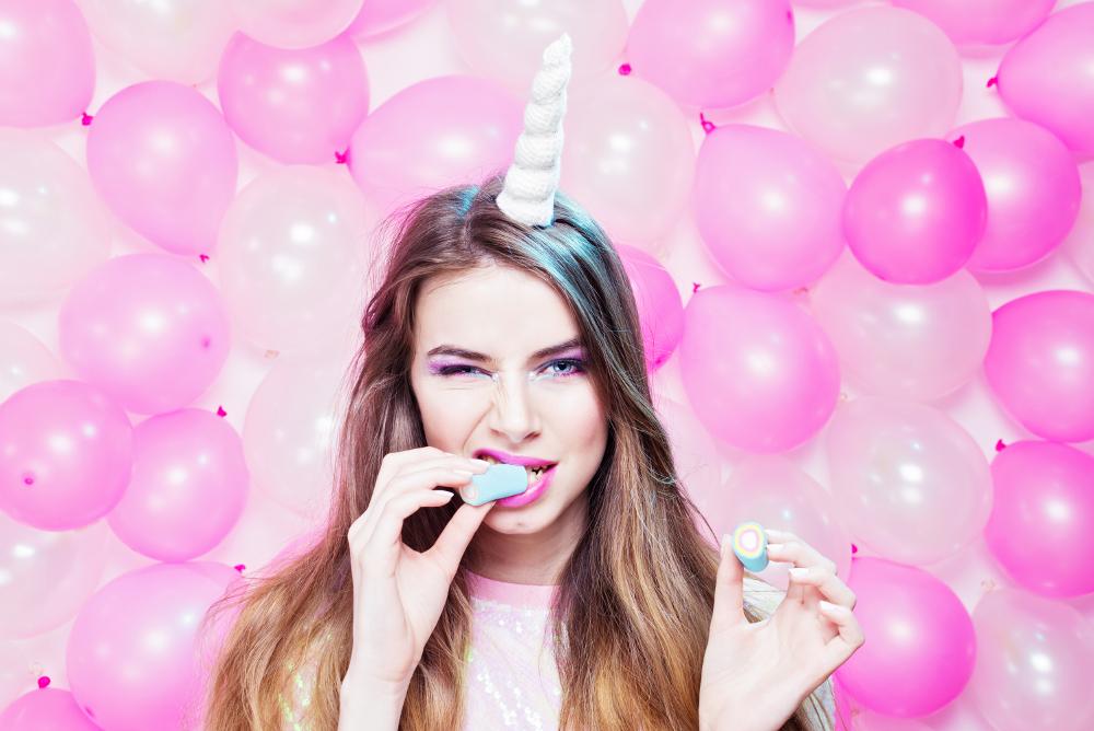 unicorni-mania-decorazioni-dolciumi-rigato