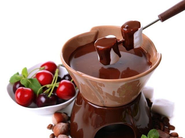 marshmallow-per-fonduta-di-cioccolato-san-valentino